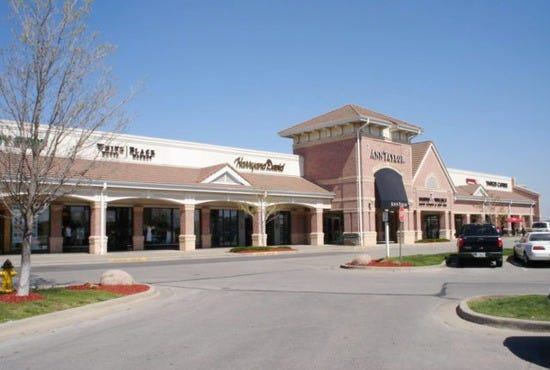 Town Center Plaza is located in Leawood, Kansas and offers stores - Scroll down for Town Center Plaza shopping information: store list (directory), locations, mall hours, contact and address.3/5(1).