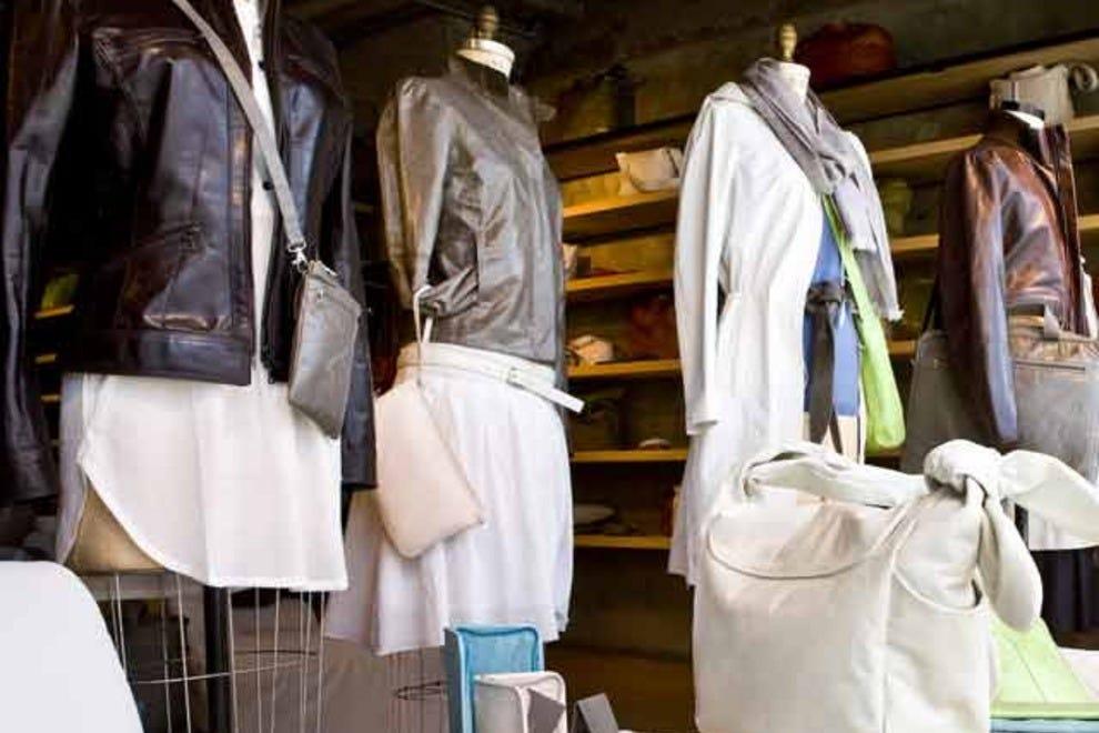 Boulevard st laurent montr al shopping review 10best for Boutique meuble rue st laurent montreal