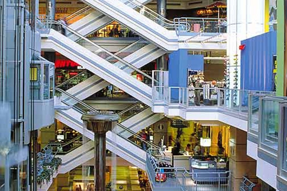 R�SO (or La Ville Souterraine): Montr�al Shopping Review - 10Best ...
