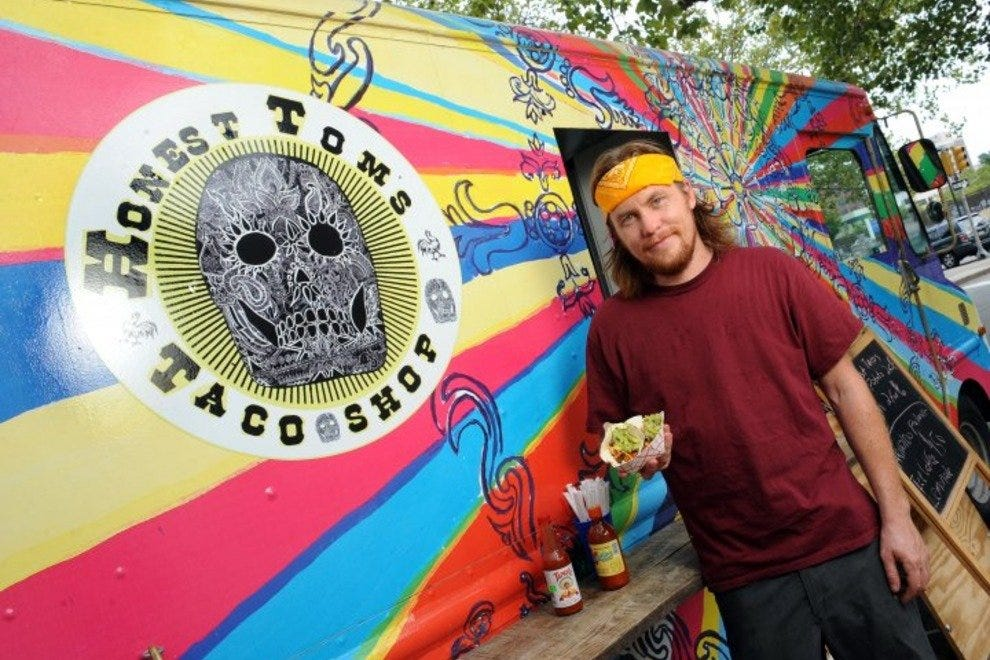 Honest Tom's Taco Truck announces its daily whereabouts via social media