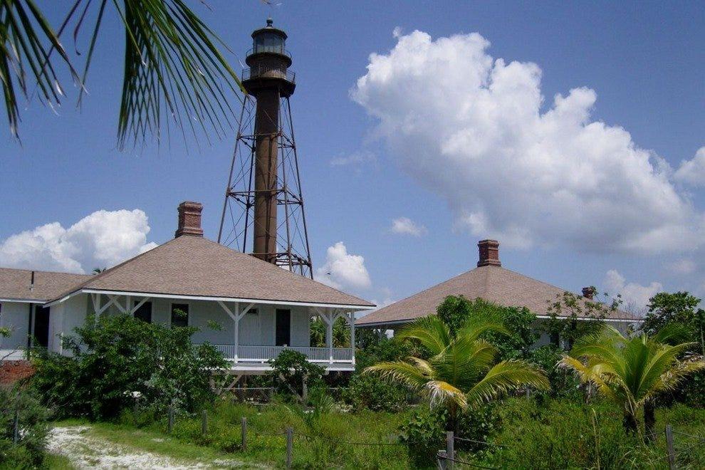 森尼贝尔灯塔及渔港码头
