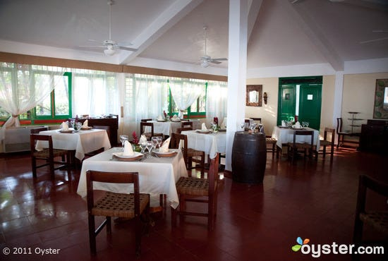 restaurants-bars-don-juan-beach-resort-v118327-1600