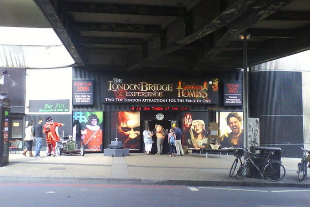 the london experience The london bridge experience is a tourist attraction in southwark, london,  england, on the south bank of the river thames guests are led by actors on a  tour.