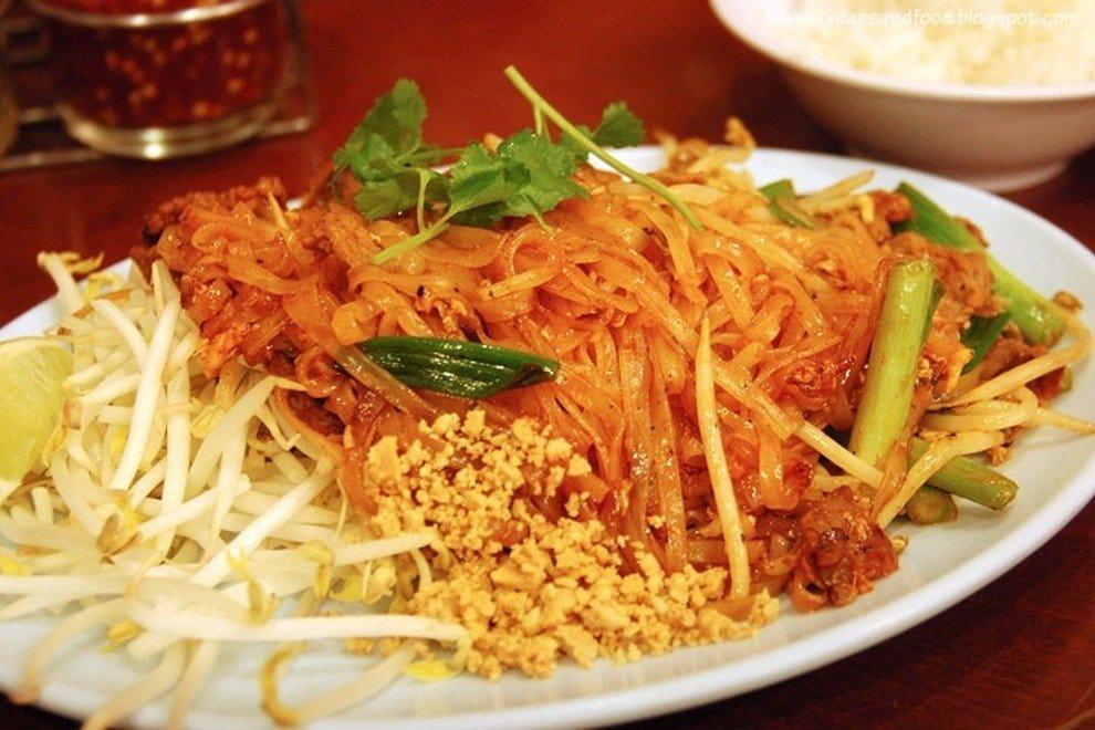 Ruen pair los angeles restaurants review 10best experts for Authentic thai cuisine los angeles ca