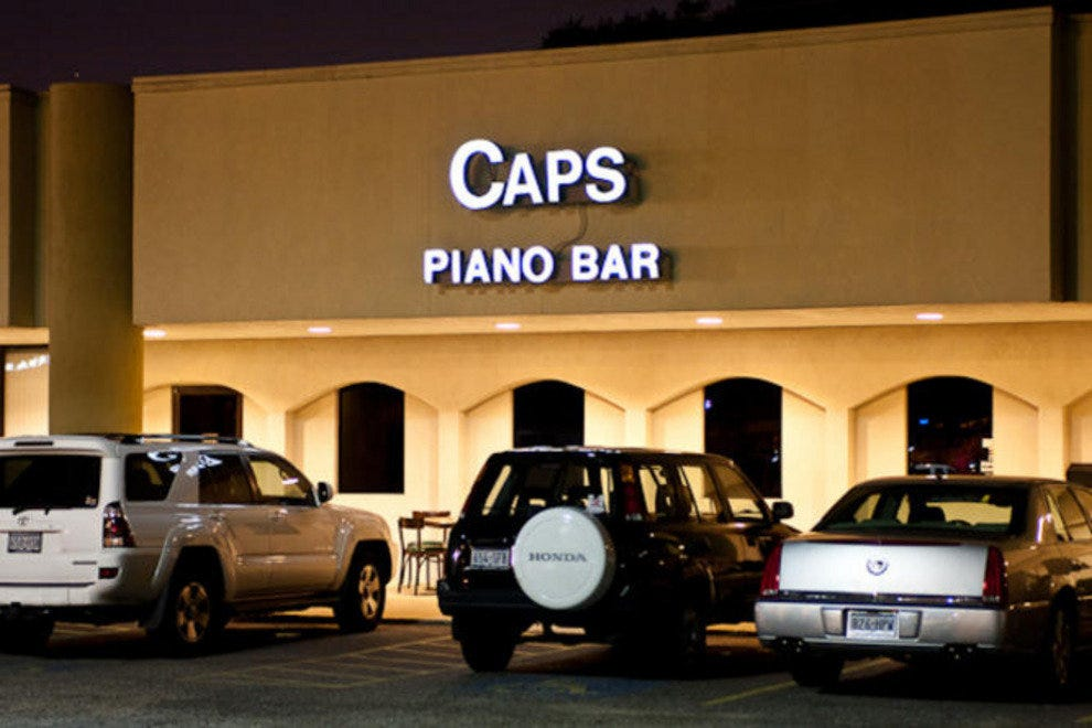Caps Piano Bar