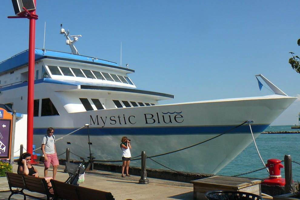 Mystic Blue gives you the best of Chicago at an amazing value. The trendiest ship in the city, enjoy casual cruising as you eat, drink, dance and take in the skyline views. Mystic is perfect for a fun night out for two and also available for large group events.