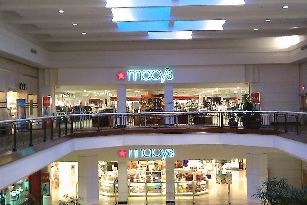 Macy's Barton Creek Square Mall offers a first class selection of top fashion brands including Ralph Lauren, Calvin Klein, Clinique, Estee Lauder & Levis. In addition to shoes and clothing, Macy's has a wide variety of housewares, gifts and furniture in select coolvloadx4.gaon: Capitol of Texas Highway, Austin, , TX.