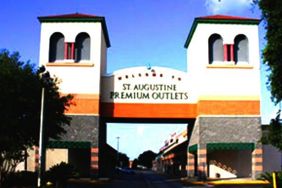 Sep 21,  · Hi there, St. Augustine Outlets warmly welcomes qualified service animals on the interior of the mall and the interior stores. The stores that are located on 4/4().
