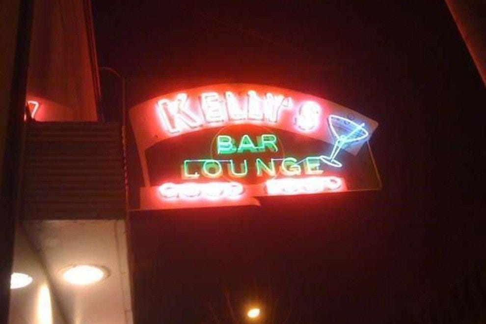 Kelly's Bar & Lounge