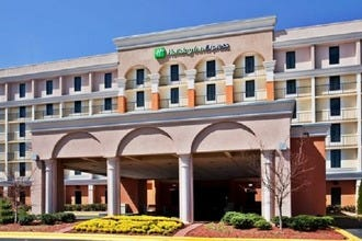 Holiday Inn Express & Suites Atlanta Airport West - Camp Creek