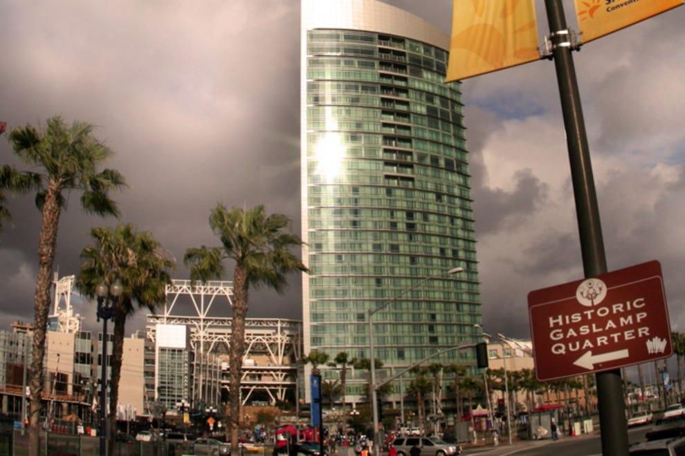 Best Restaurants Near Omni Hotel San Diego
