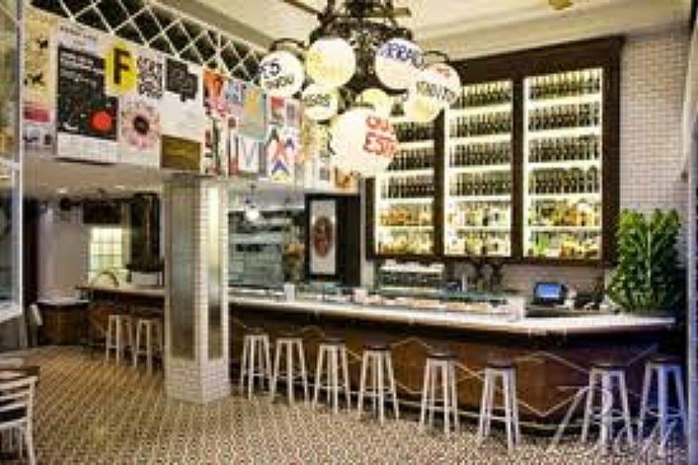 Ququ barcelona restaurants review 10best experts and for Restaurante azulejos