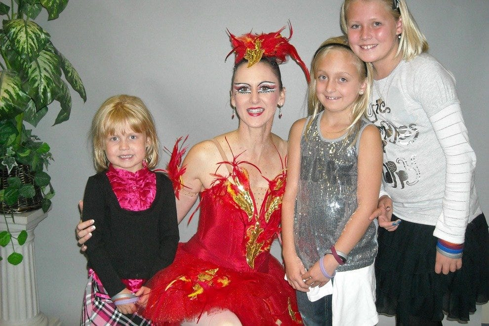 "Girls meeting ""The Firebird"" backstage"