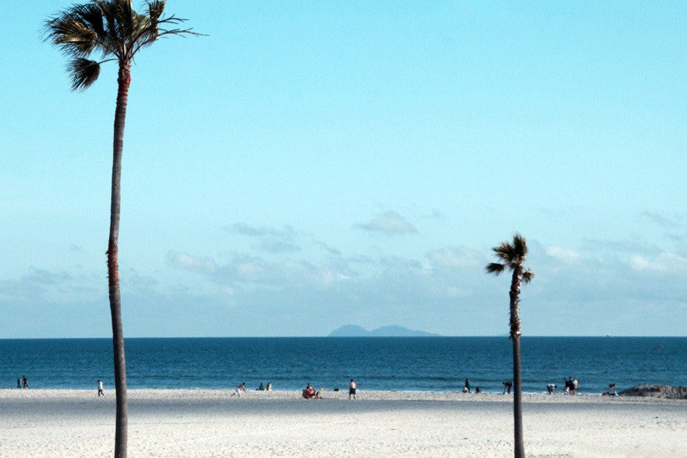 Loews Coronado Bay Resort, beach scene