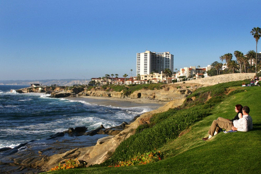 San Diego Beaches, La Jolla Couple in Park