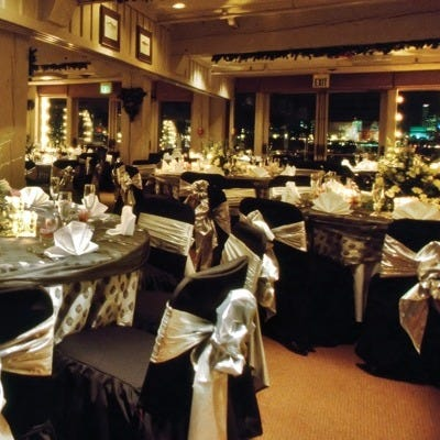 Seattle brides vie a year in advance for Salty's private dining rooms.