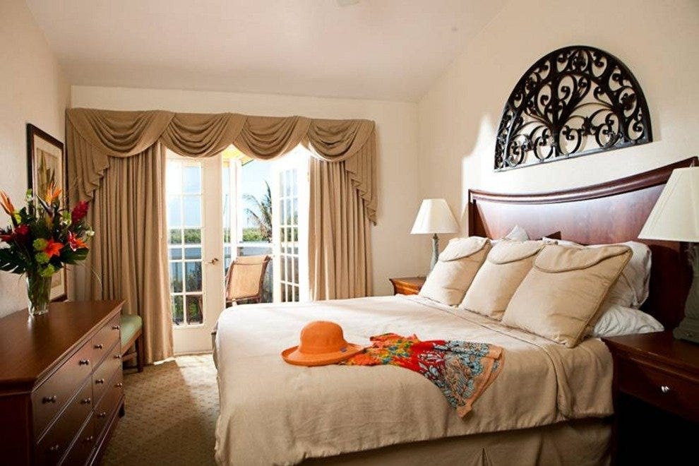 Waterview Rooms Offer Seabreeze, Relaxing Bay or Gulf Vistas