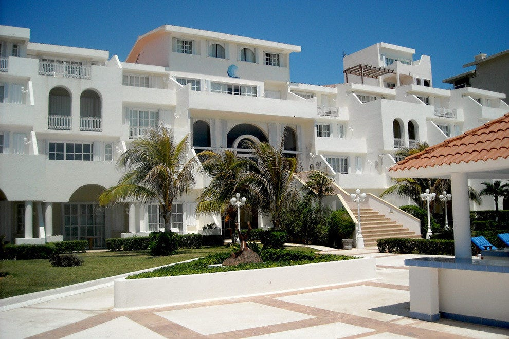 The majestic Casa Turquesa has 29 suites with either garden views or views of the Caribbean Sea.