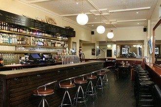 一系列经典和现代的酒吧使都柏林成为伟大的城市