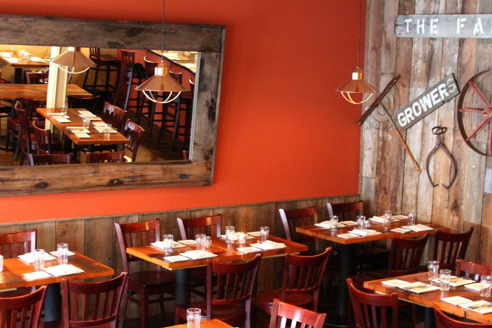 A Tavola's Welcoming Interior