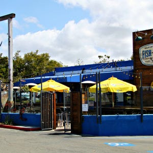 San diego seafood restaurants 10best restaurant reviews for Fish store san diego