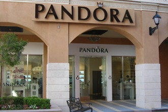 Pandora Opens New Las Vegas Store at Tivoli Village