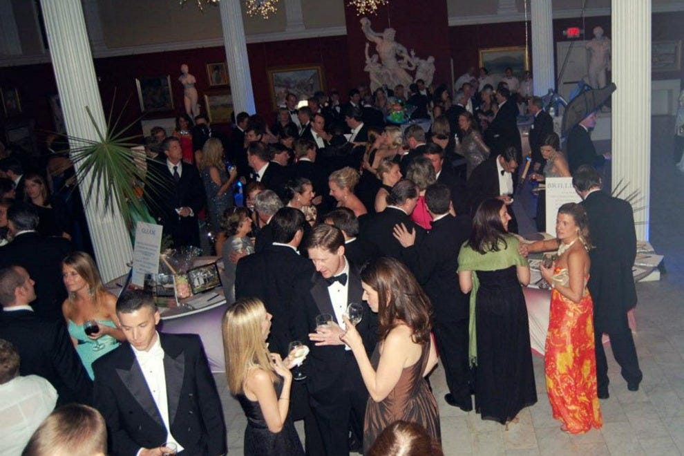 Charitable galas, such as the Telfair Museums' annual ball, are the perfect place to meet Savannah's most affluent singles.
