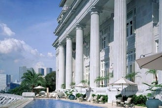 Top Ten Luxury Hotels in Singapore in which to indulge, relax and be pampered.