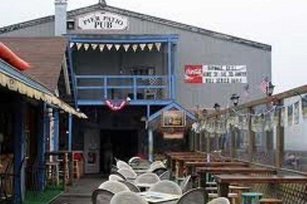 码头露台酒吧