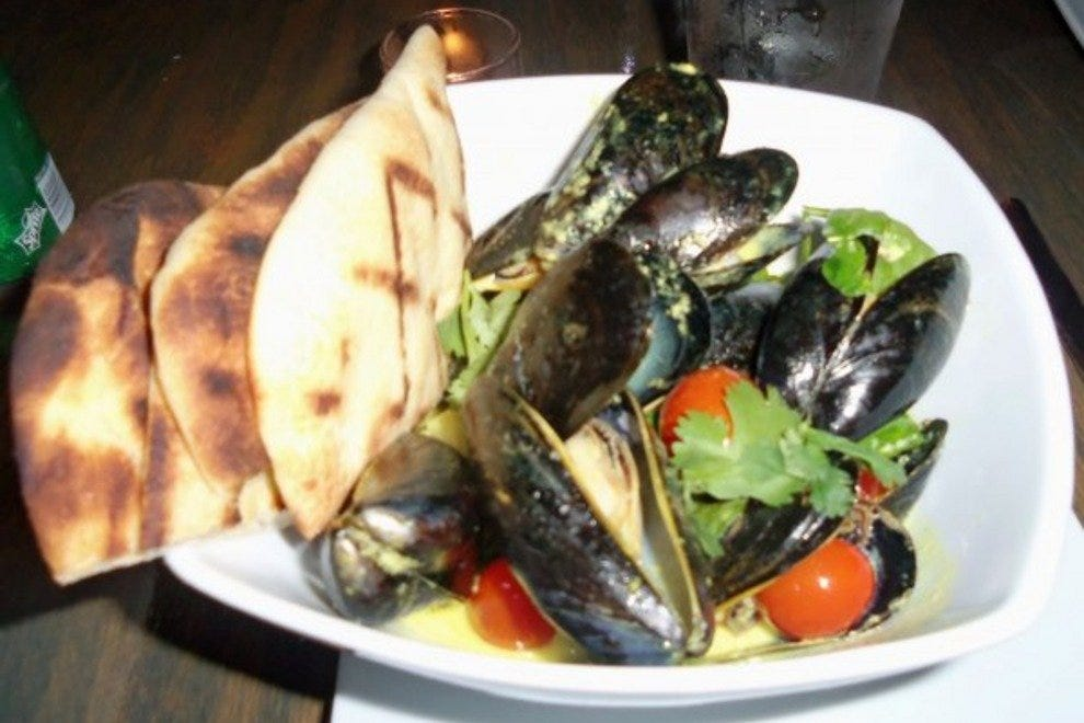 The Mussels with Naan Flatbread