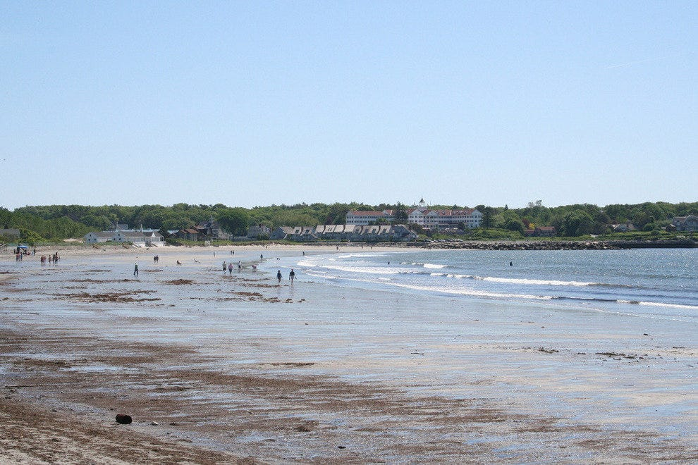 Relaxing shores of Kennebunk Beach