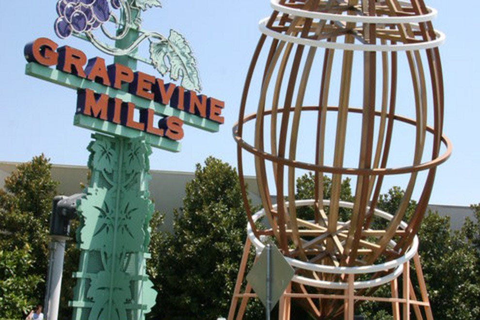 Grapevine Mills Mall is located in a welcoming area of Grapevine known for its beautiful lakeside setting and lively festivals. Choose from 10 hotels and other accommodations within a mile of Grapevine Mills Mall and make one of them your home base for exploring the larger area.