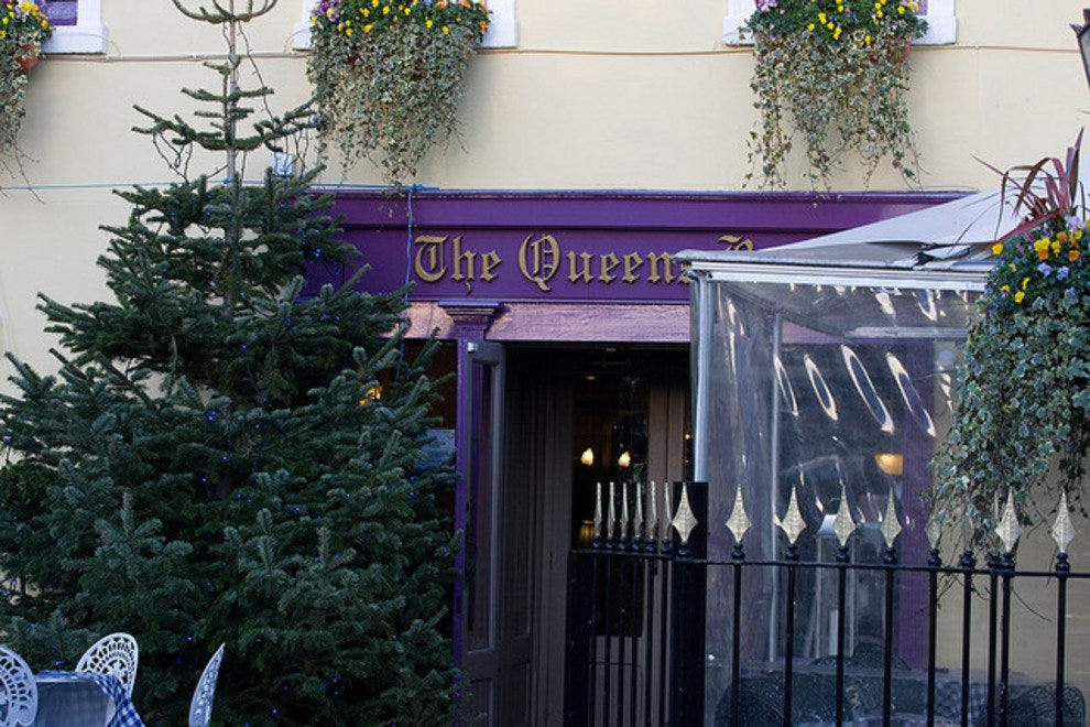 The Queen's Bar & Restaurant