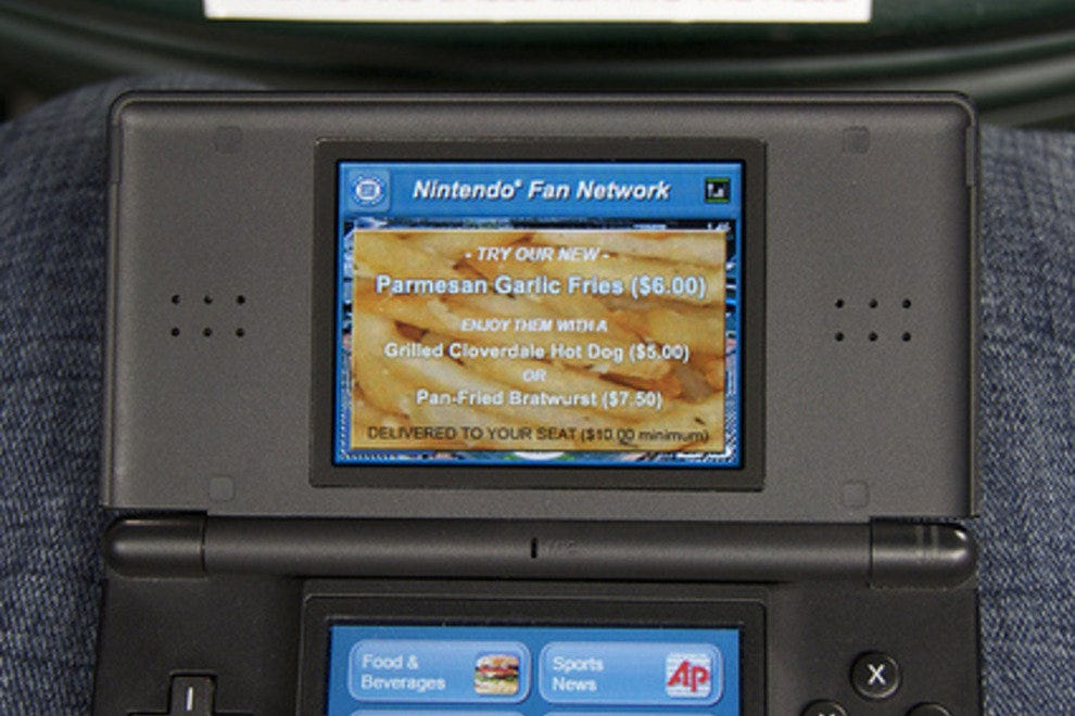 A Nintendo DS connected to the Mariners' Fan Network