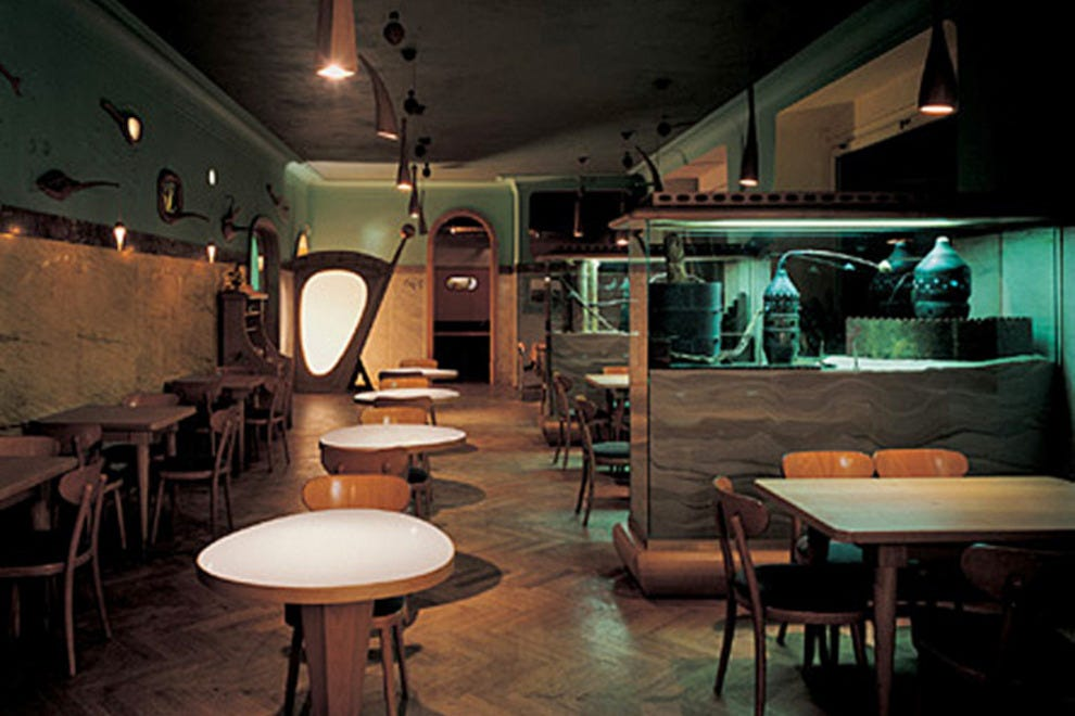 Pal c akropolis prague restaurants review 10best for Bar food zizkov