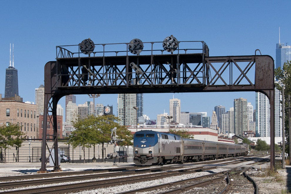 Hiawatha departing Chicago