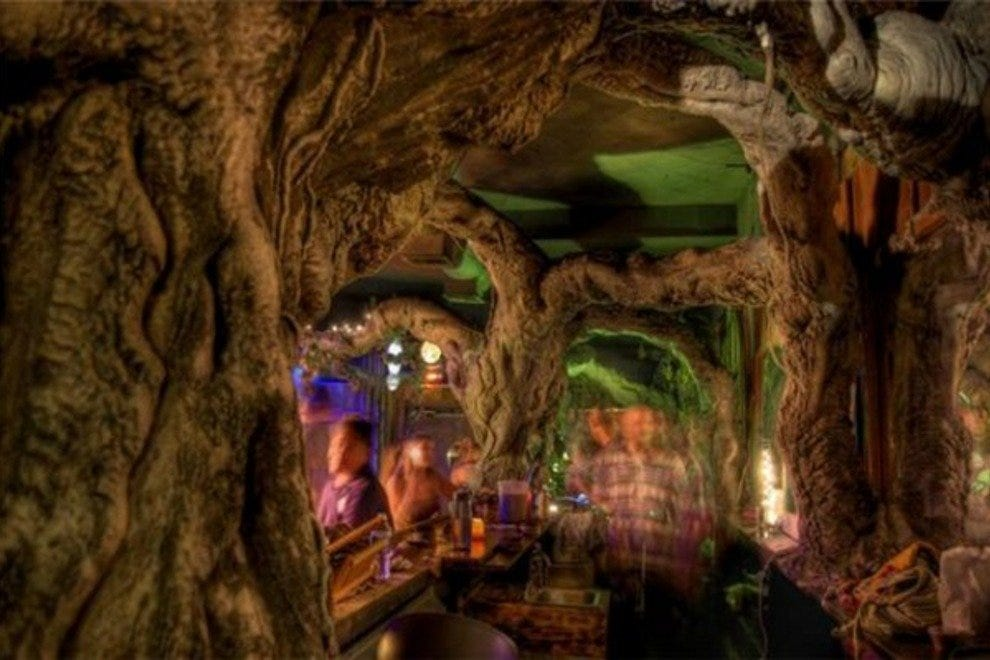 The front bar of Mystic Water Kava Bar