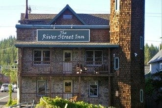 Truckee's River Street Inn: Where the River and Railroad Meet