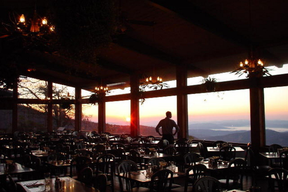 Guests love dining at the Pisgah Inn, with its magnificent views