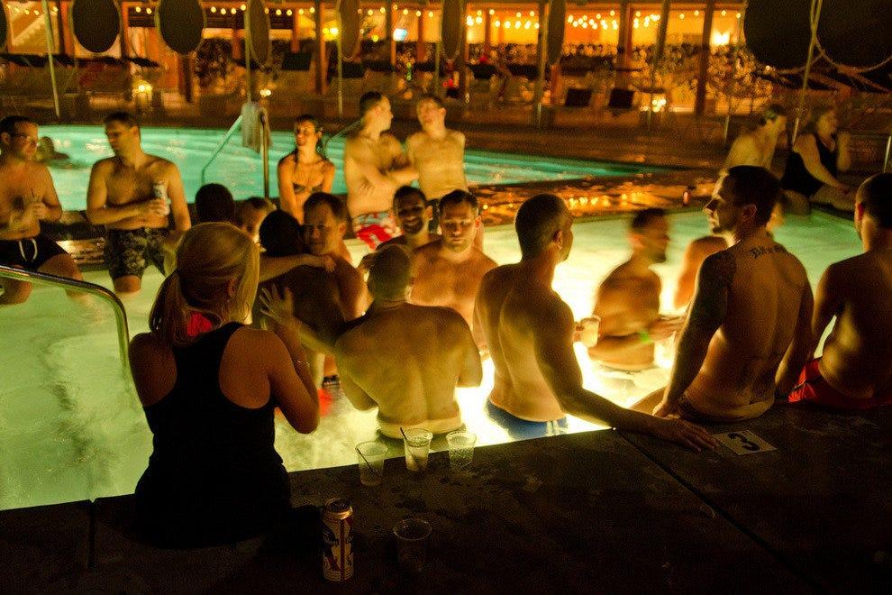 Gay Hookup In Palm Springs