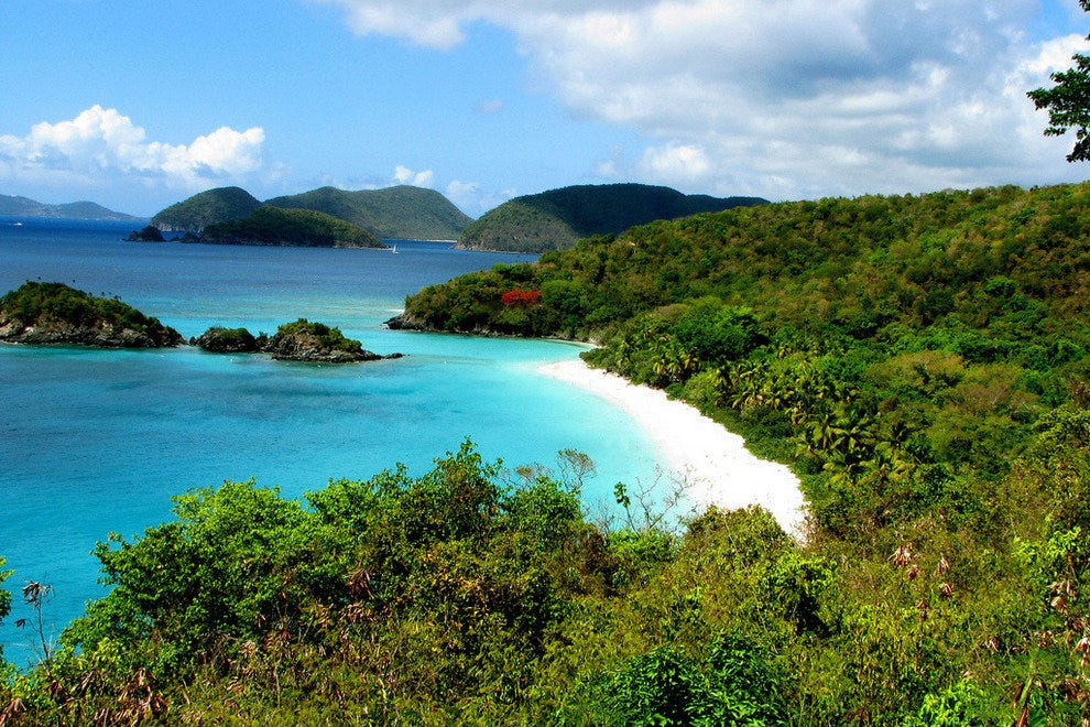 Trunk Bay Beach on St John's Island, US Virgin Islands