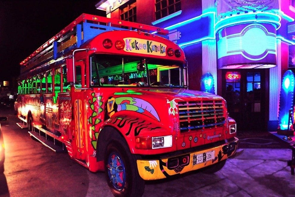 Kukoo Kunuku Party Bus