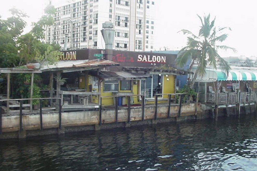 Fort lauderdale waterfront restaurants 10best for Fish restaurant fort lauderdale