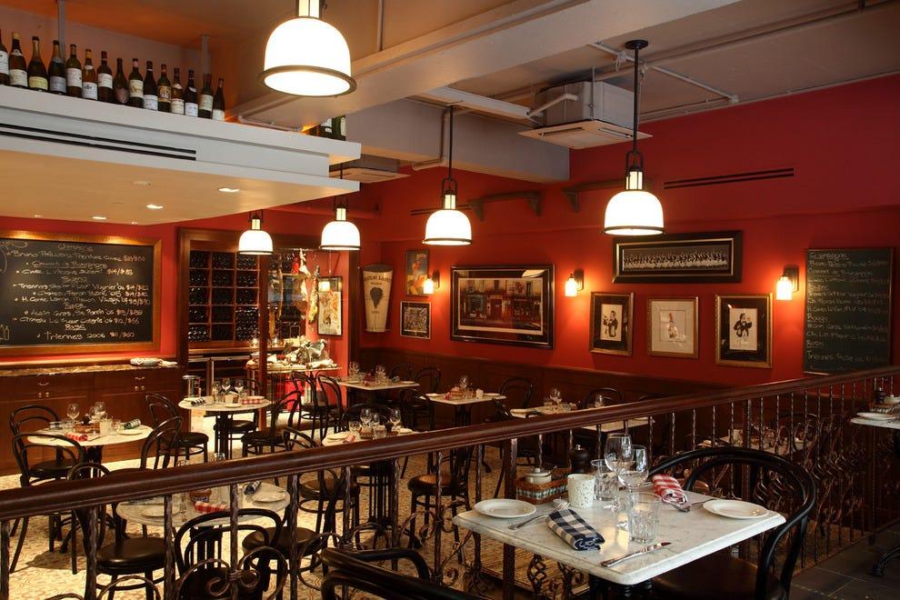 Bistro du vin singapore restaurants review 10best for Au jardin les amis restaurant singapore