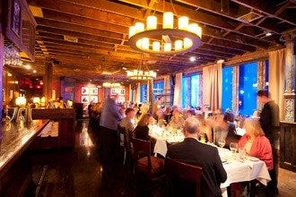 Get Your Group On with Memphis' Best Group-Friendly Restaurants