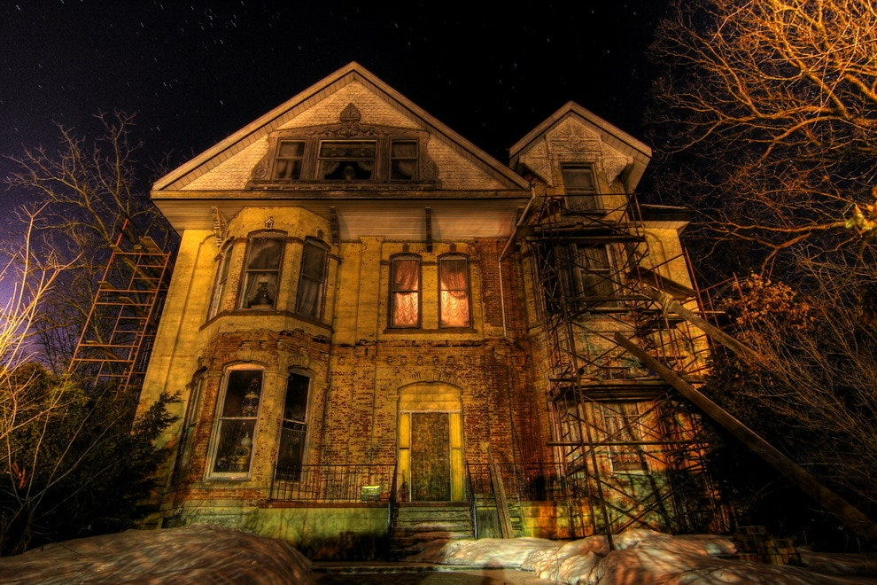 Spend a Spooky Night at One of These 10 Haunted Hotels