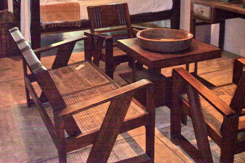 Paul's Antiques