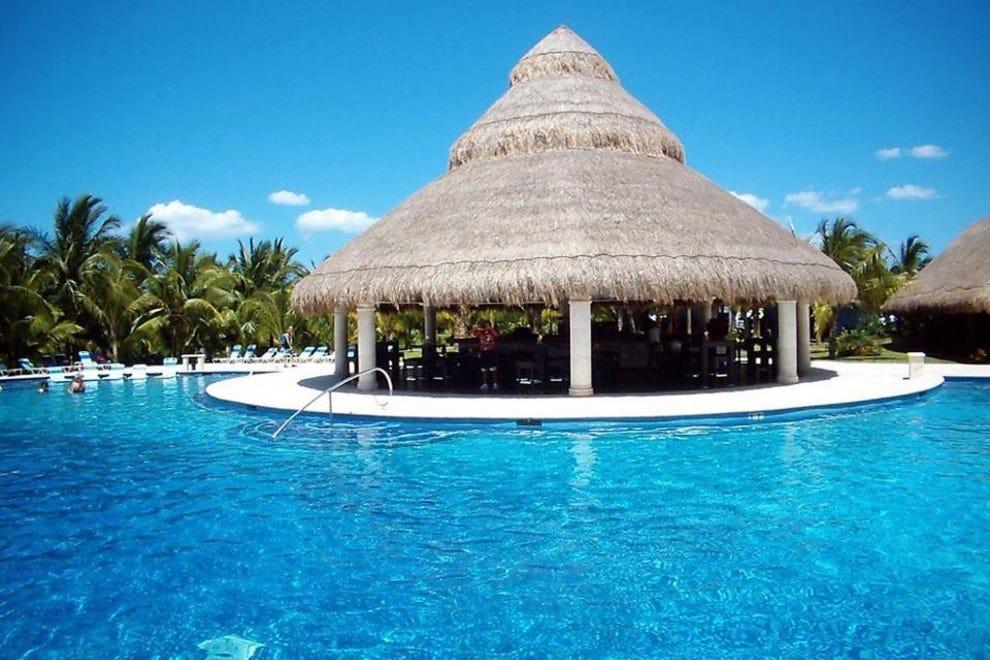 Cozumel Beach Clubs Near Cruise Port