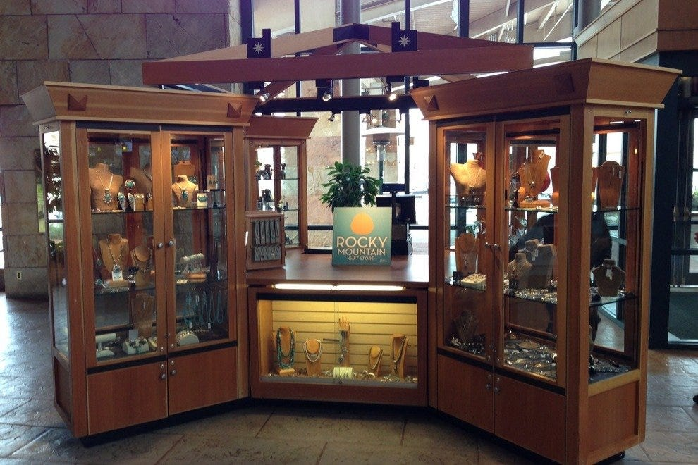Xanterra Parks & Resorts opens new jewelry kiosk in Park Meadows.