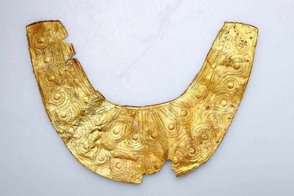 Gold necklace ca 950 B.C.